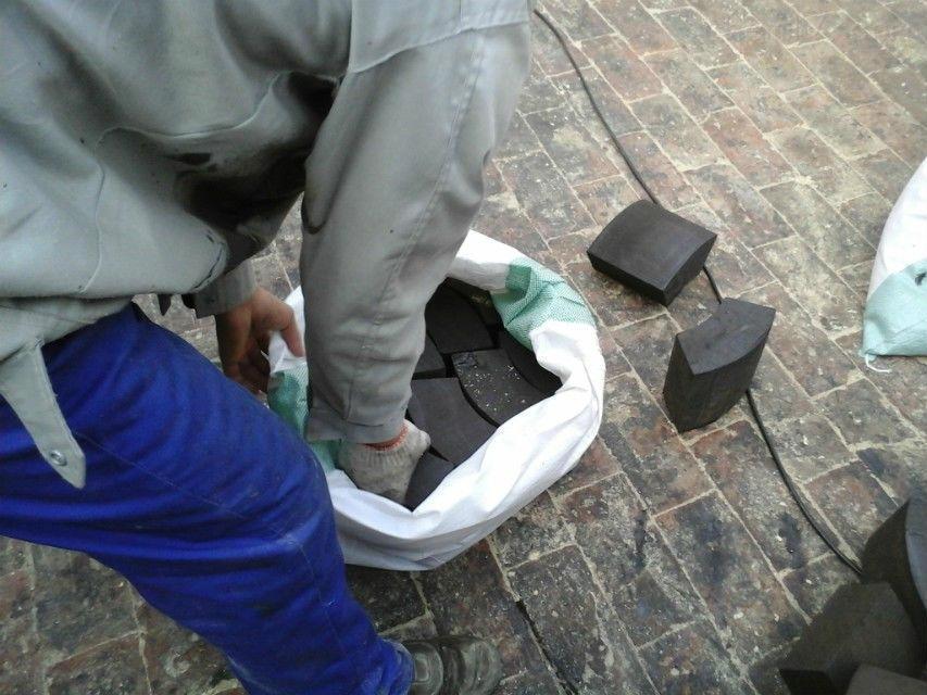 专业厂家批发水管木托