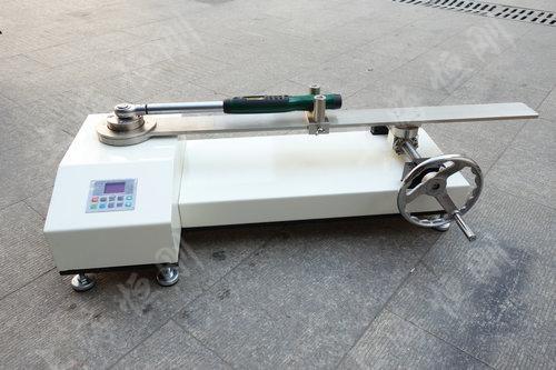 SGNJD型号的扭矩扳手检定装置