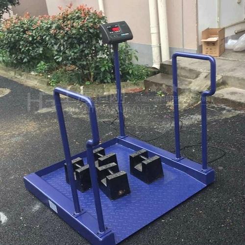 医用轮椅地磅秤